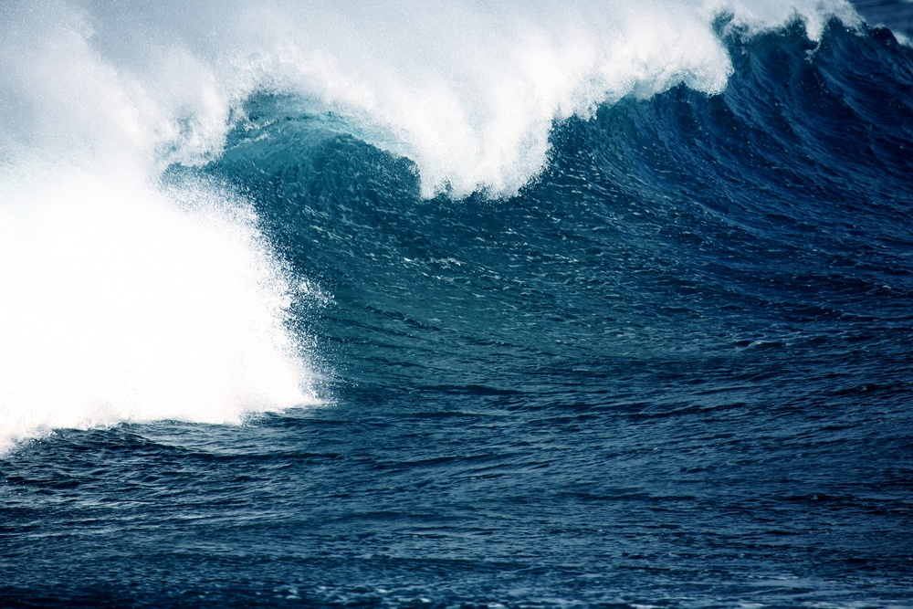 big sea wave on a windy day - good for surfing.jpeg